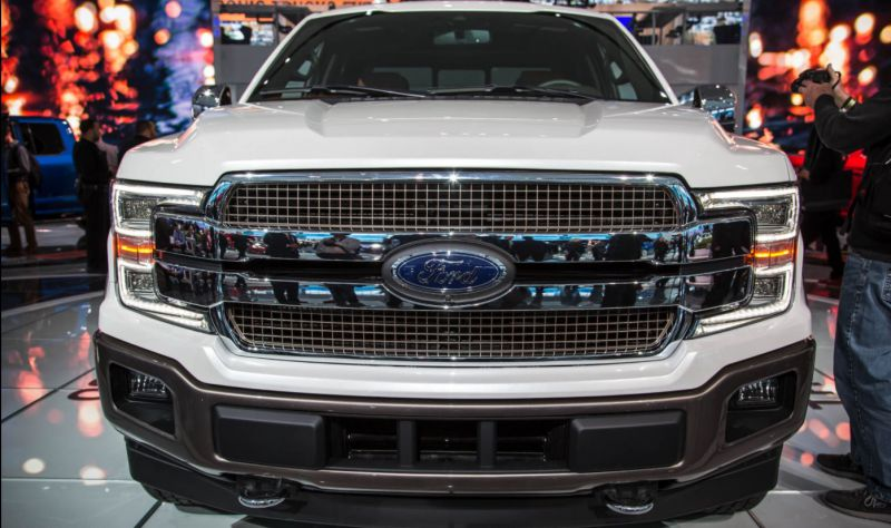 2019 Ford F-150 front