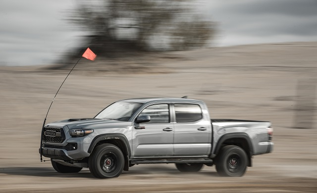 2019 toyota tacoma side view