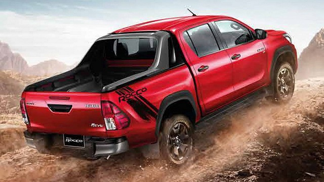 2019 Toyota Hilux rear view