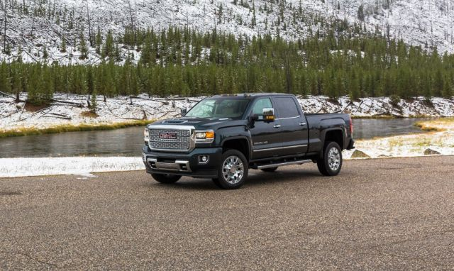2019 GMC Sierra 2500 side