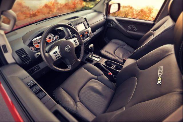 2019 Nissan Frontier Pro-4x interior