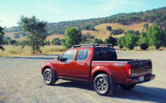 2019 Nissan Frontier Pro-4x is made for tough terrains - 2019 - 2020 Best Trucks