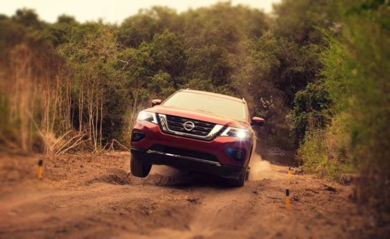 2019 Nissan Frontier Pro-4x is made for tough terrains