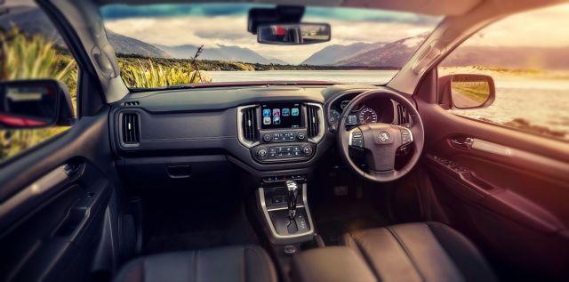 2019 Holden Colorado interior