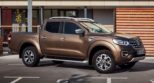 2019 Renault Alaskan side view