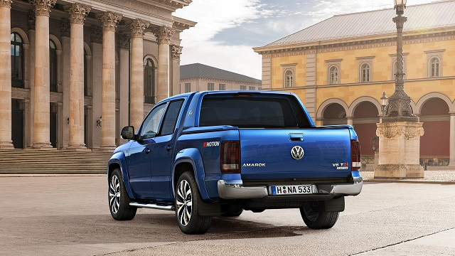 2019 VW Amarok USA Edition rear view