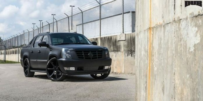 2020 Cadillac Escalade EXT looks more aggressive