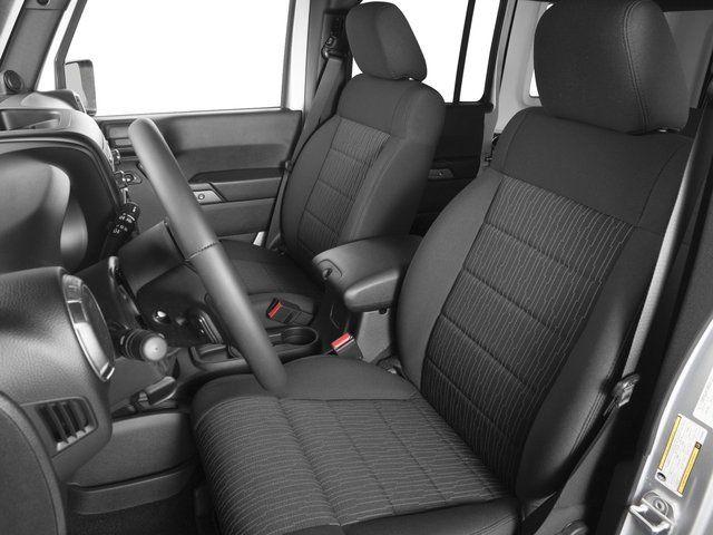 2020 Jeep Wrangler Pickup Truck seats