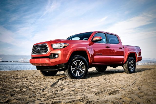 2020 Toyota Tacoma TRD Sport side