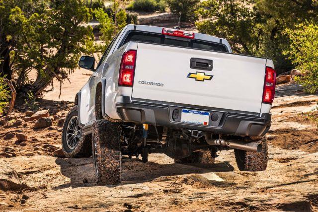 2020 Chevy Colorado ZR2 side