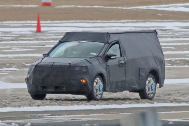 2021 Ford Courier side