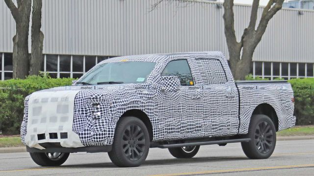 2021 Ford F-150 side look