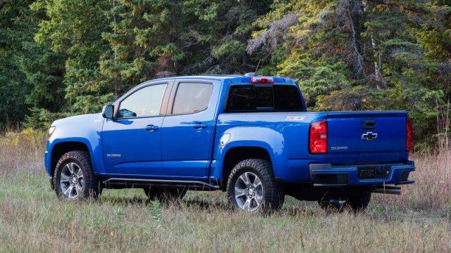 2021 Chevy Colorado side