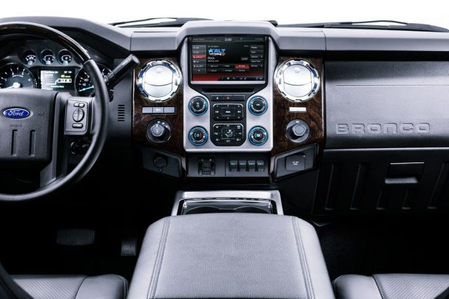2020 Ford Bronco Pickup interior