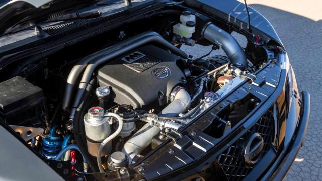 2021 Nissan Frontier Desert Runner engine