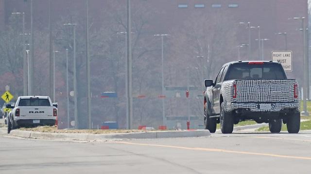 2022 Ford F-150 Raptor R rear look