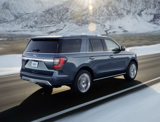2019 Ford Expedition side