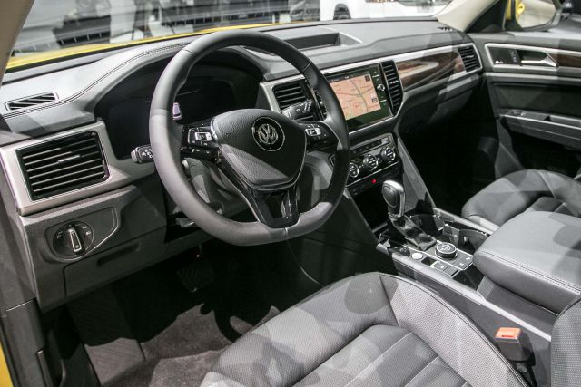 2019 VW Atlas interior