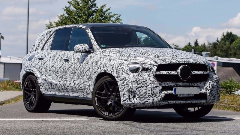 2019-Mercedes-Benz-GLE-63-front.jpg