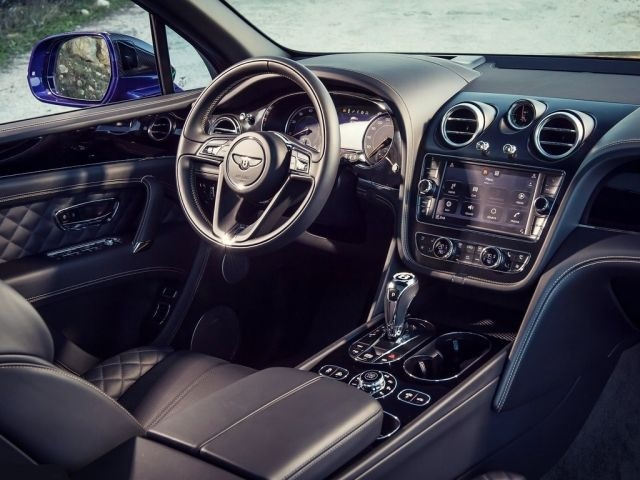 2019 Bentley Bentayga Sport Coupe interior look