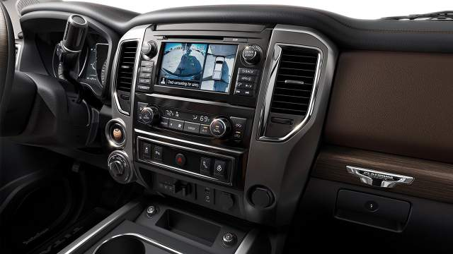 2018 Nissan Titan features