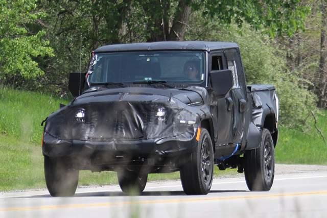 2019 Jeep Wrangler Diesel Pickup Truck Spy Shot