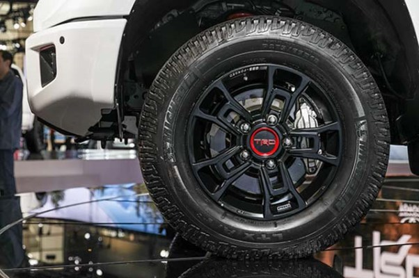 2020 Toyota Tacoma TRD Pro Price and Specs - 2019 and 2020 ...