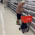 今まで戦争災害で物資欠乏の経験無いオーストラリアのスーパーで高齢女性がむせび泣く「何も買えない」