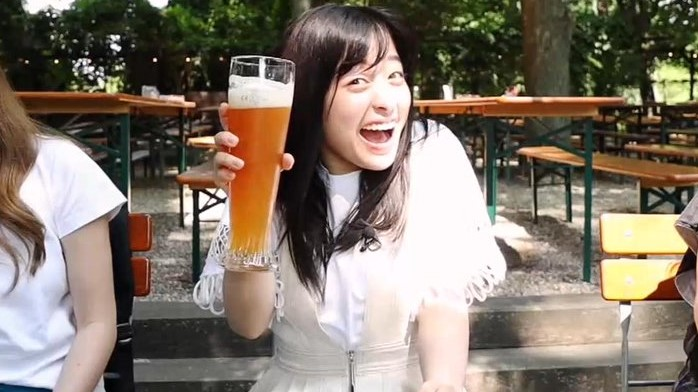 【芸能】橋本環奈、高い好感度&人気の一方でビール腹との指摘も…小栗会にハマり仕事にも影響