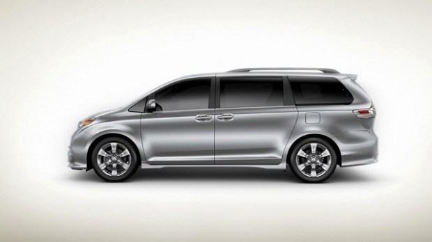 2020 Toyota Sienna side view
