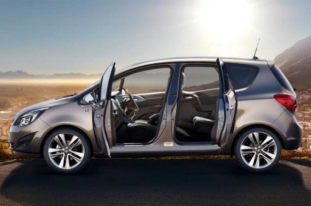 2020 Opel Meriva side view