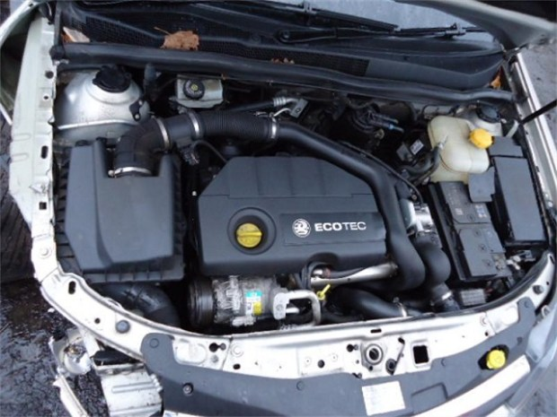 2020 Opel Zafira engine