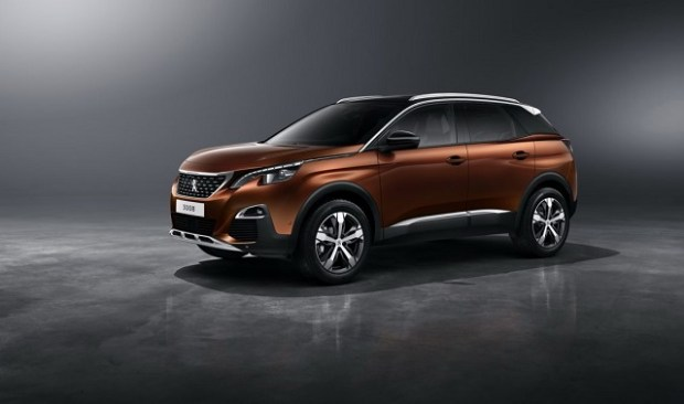 2019 Peugeot 3008 side view