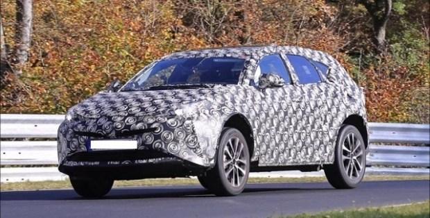 2019 Toyota Prius V Wagon spy shots