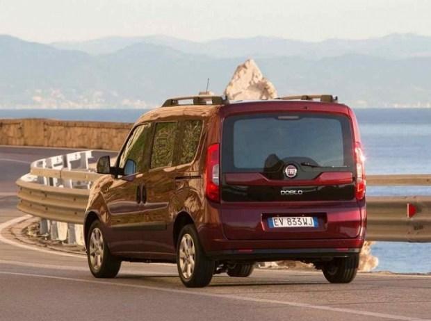 2019 Fiat Doblo rear view