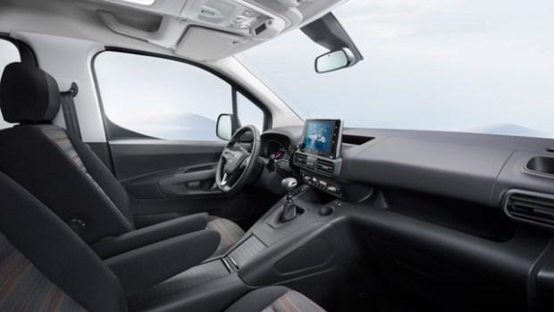 2021 Opel Combo Life interior