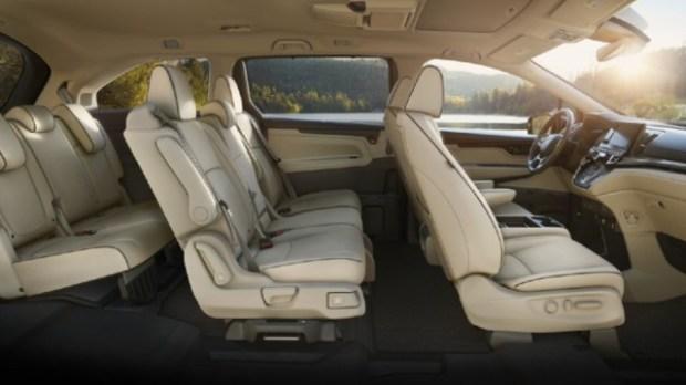 2021 Honda Odyssey Hybrid interior