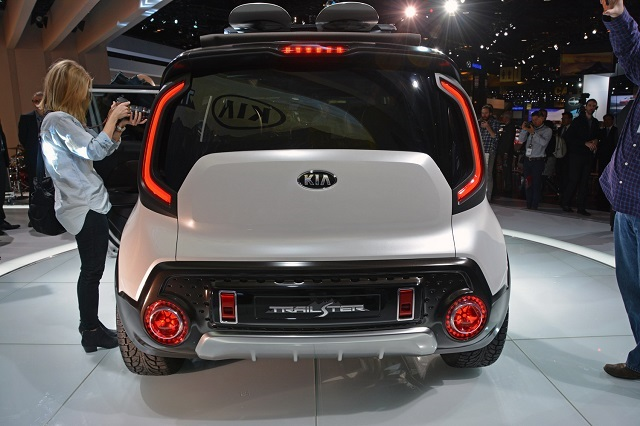 Kia Trail'ster rear view