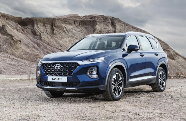 2020 Hyundai Santa Fe front view