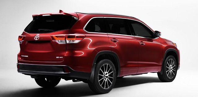 2020 Toyota Highlander rear view