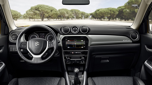 2020 Suzuki Vitara interior