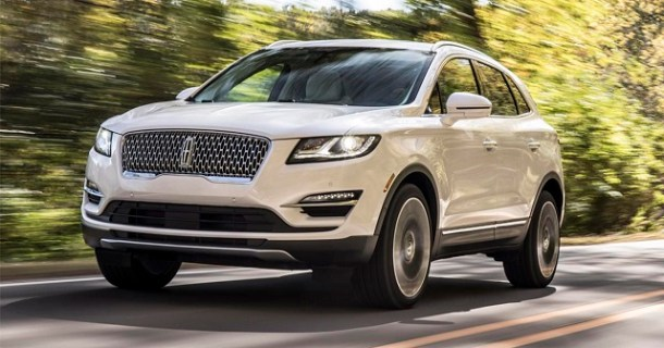 2019 Lincoln MKC front view