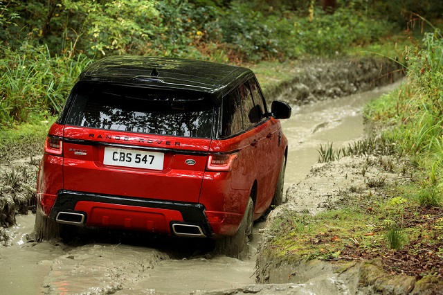 2020 Range Rover Sport rear view