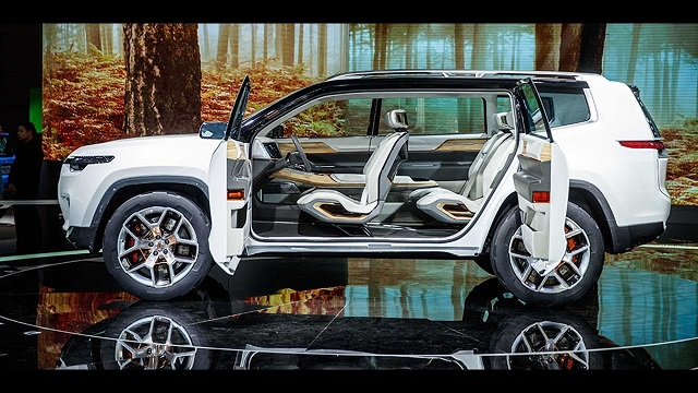 2019 Jeep Yuntu side