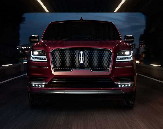 2019 Lincoln Mark LT front