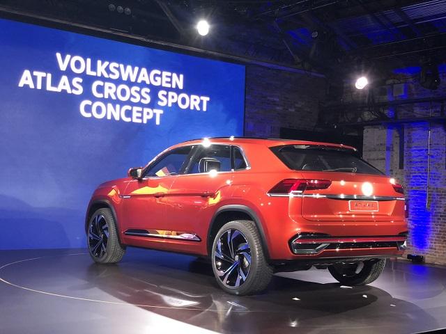 2020 VW Atlas Cross Sport rear