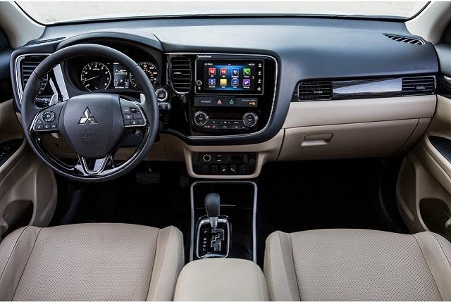 2020 Mitsubishi Outlander Interior