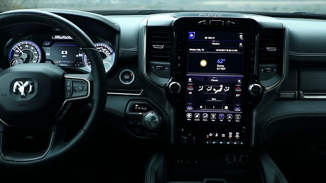 2020 Toyota Tundra vs Ram 1500 interior