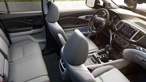 2020 Toyota Tacoma vs Honda Ridgeline Interior