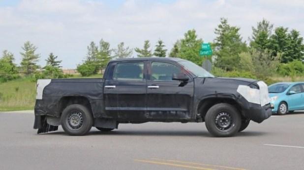2022 Toyota Tundra Hybrid Spy Shot